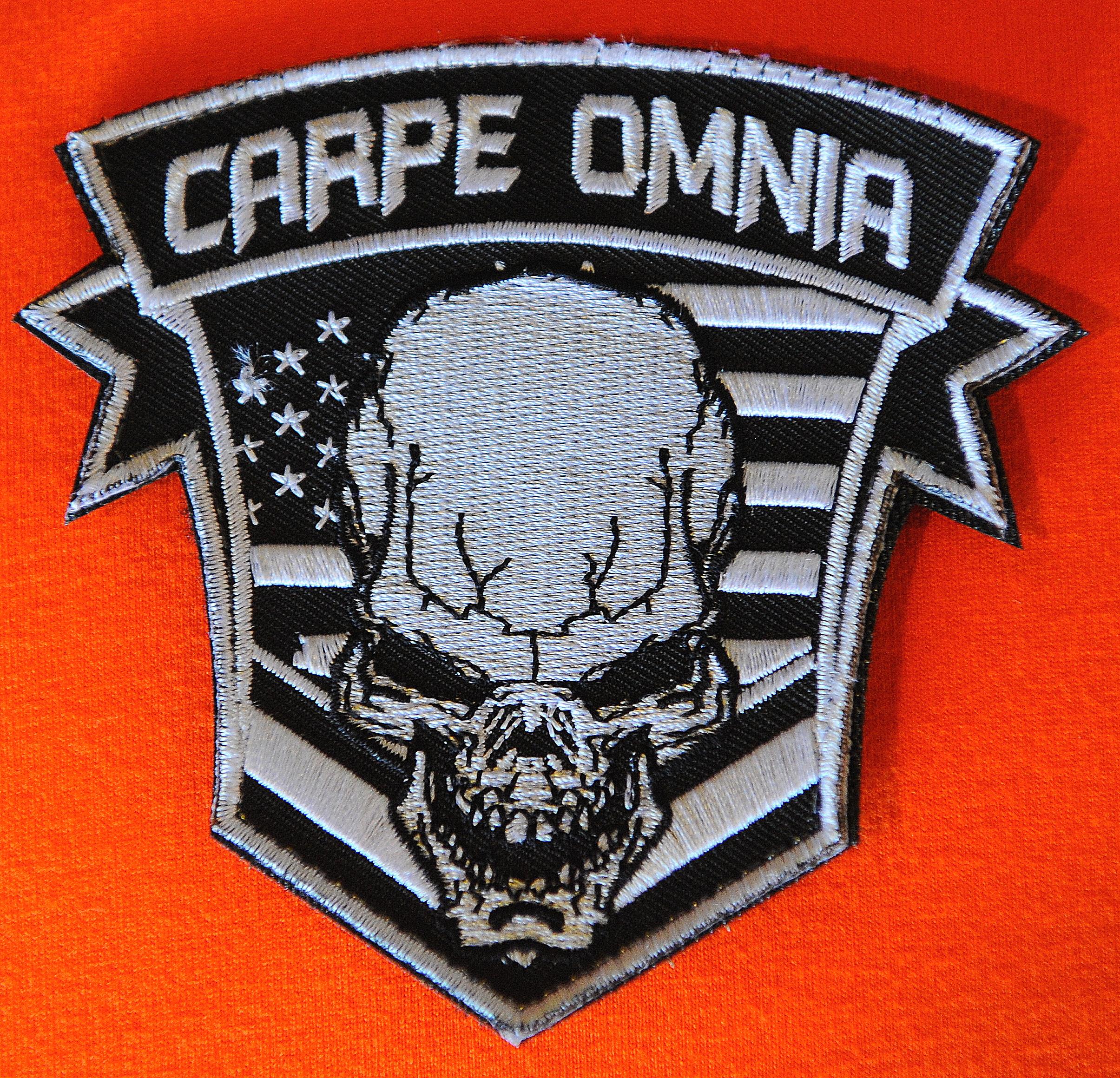 Carpe Omnia Morale Patch Carpe Omnia Design